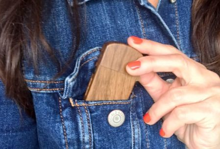 Vangecco MagicBox-S vape fits easily in your pocket